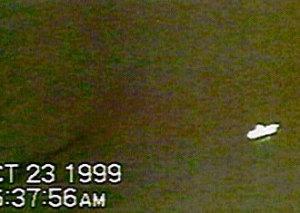 ufoavis2-300x213 Raccolta Avvistamenti 2000-2012