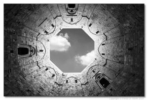 casteldelmontebn-300x204 Castel del Monte