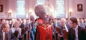 holliwood-1-300x141 I politici, la scienza e la paura di un attacco alieno dallo Spazio