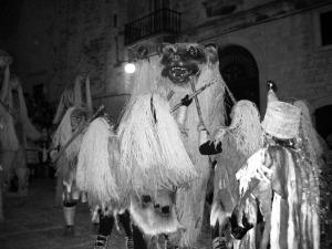 candelora-orso-1-300x225-1 Candelora: Origini e tradizioni popolari e pagane