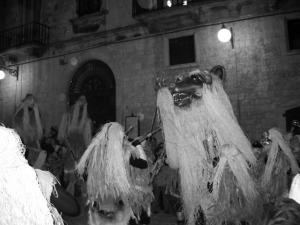 candelora-orso-2-1-300x225-1 Candelora: Origini e tradizioni popolari e pagane