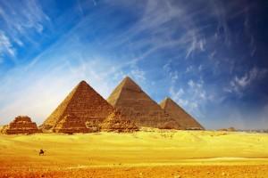 Le tre Piramidi di Giza furono costruite dall'alto